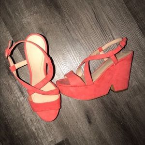 Salmon colored wedges
